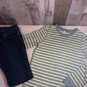 Old navy skinny jeans and top